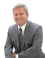 "Alex Turowski - Realtor at Wabeek Realty, Inc. 34921 US Highway 19 N., Ste. 140, Palm Harbor, FL 34684 Alex Turowski is a licensed real estate broker/associate, member of local and national association of realtors and CCIM (Certified Commercial Investment Member), which is a top recognized designee in commercial real estate in the world. Alex has been selling residential and commercial properties for over 20 years. After working in many places and marketing and selling all types of properties, Alex decided to make Pinellas County the location for Wabeek Realty and Palm Harbor his home. Alex speaks Polish. Alex Turowski jest polskim brokerem / pośrednikiem nieruchomości w Palm Harbor, Pinellas County na Florydzie. Alex jest członkiem lokalnych i globalnych stoważyszeń ""Realtors"" oraz CCIM (""Certified Commercial Investment Member""), która jest wiodącym stowżyszeniem brokerów nieruchomości komercyjnych na świecie. Alex ma 20- letnie doświadczenie w sprzedaży nieruchomości mieszkalnych i komercyjnych. Alex mówi po polsku. (727) 224 - 1317 Email: aturowski@ccim.net www.wabeekrealty.com -"